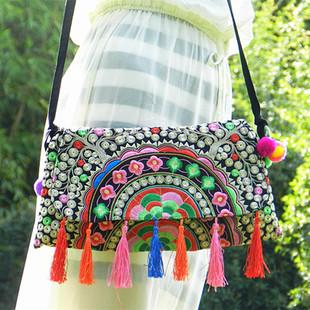 云南民族风包包单肩斜跨包女小包刺绣花帆布包清新单肩包旅行背包