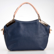 2013 new winter serpentine leather handbag crocodile pattern handbag bag Messenger bag European and American fashion bag