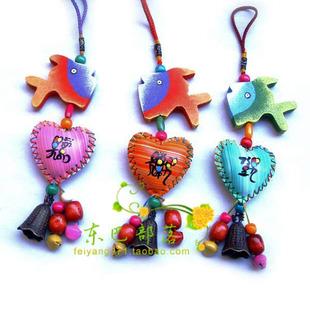 东巴工艺品  挂饰 壁饰 东巴风铃挂件 彩木壳彩皮挂件 单个价格.